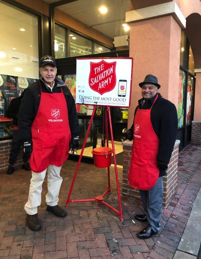 Salvation Army Bell Ringers 4 (2)